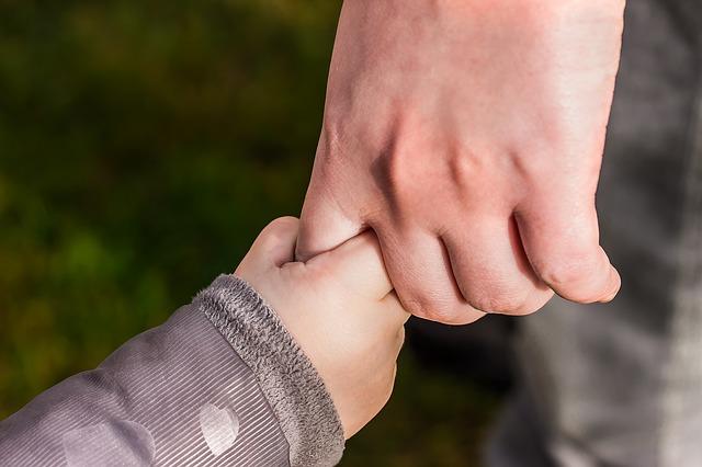 Conférence-débat sur l'accompagnement de l'enfant pour l'aider à grandir